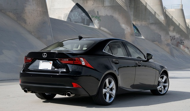 2015-Lexus-IS-350-back