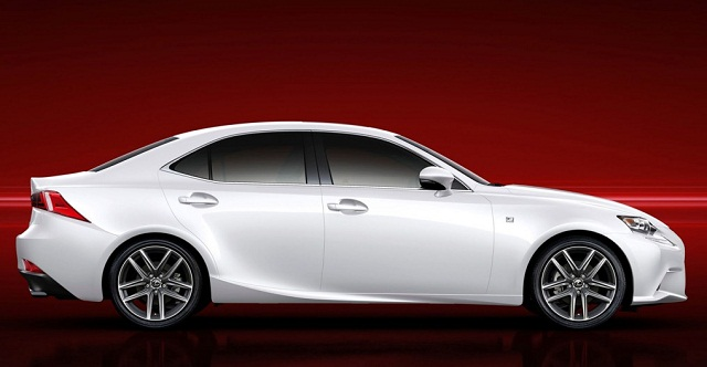2015-Lexus-IS-250-side