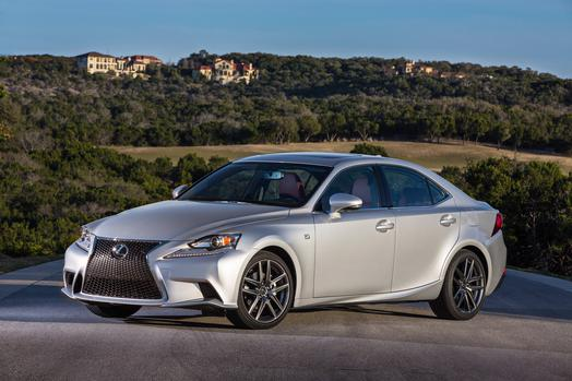 2016_Lexus_IS_350_F_SPORT_001_BE86856F1751E4E80FEE88A8D4DDE3C834595EAD_low